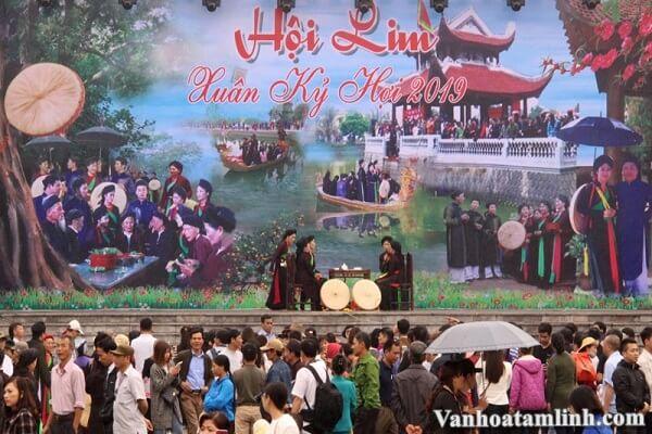 Các lễ hội, phong tục tập quán tiểu biểu ở Việt Nam-4