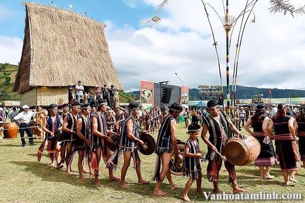 Các lễ hội, phong tục tập quán tiểu biểu ở Việt Nam-5