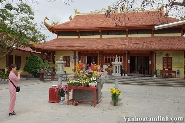 Đền Cô Chín (Chín Giếng) ở Thanh Hoá