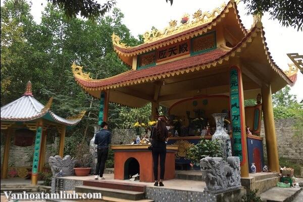 Đền Hoàng Bảy Đá Thiên ở Trại Cau - Thái Nguyên-3
