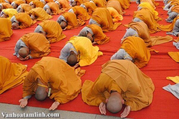 Nghi thức Đảnh lễ trong Phật Giáo